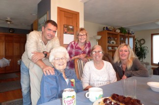 """Early Thanksgiving Dinner"" with Gilles, Norma, Brenda, Joanne and Carol Lynn"