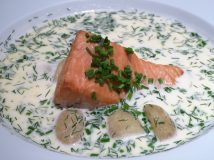Respite at Ravintola Kuu: Hot Salmon Soup with Potatoes and Dill