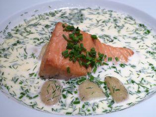 Respite at Ravintola Kuu: Hot Salmon Soup with Potatoes and Dill