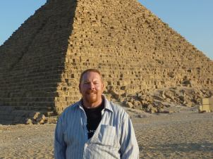 A moment of relative calm at Giza