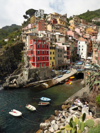 Riomaggiore from the harbor area