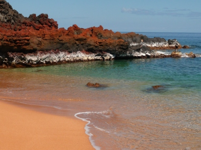 A remote beach on Lanai