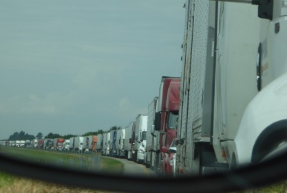 Massive traffic back-up in I-40 in Arkansas