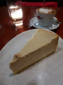 The most AMAZING ricotta cheesecake