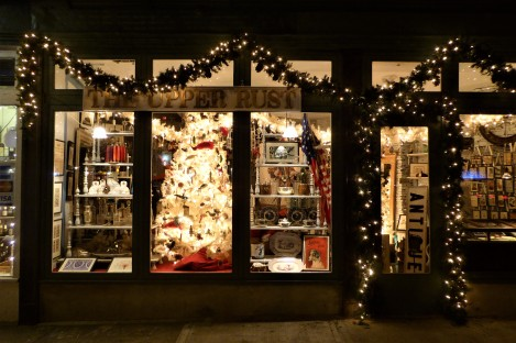 Christmas cheer along 6th Avenue