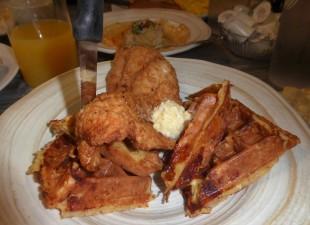 Chicken and Waffle... um, um gooood!