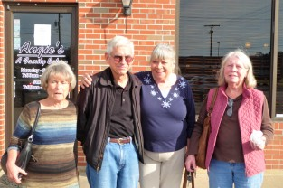 Marsha, Stan, Gail and Alice... Marsha hates staring into the sun for a photo!