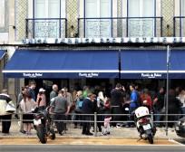 The line at Pasteis de Belem