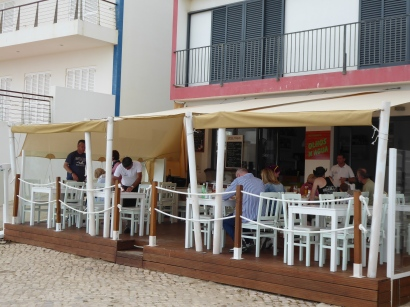 Lunch at Olhos N'água in Salema