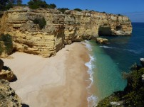 An inaccessible cove just east of Praia fa Marinha