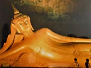 Wat Suwan Kuha, the reclining Buddha