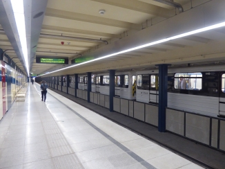 Can you believe THIS is a subway station - and the train is even painted WHITE! Immaculate!