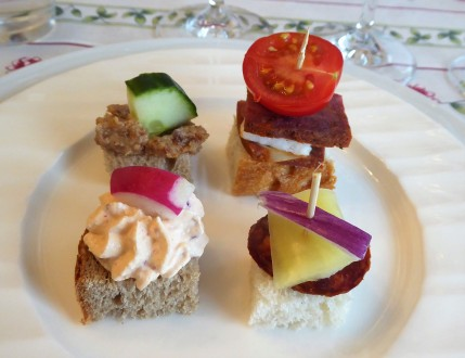 Appetizers at Eat and Meet