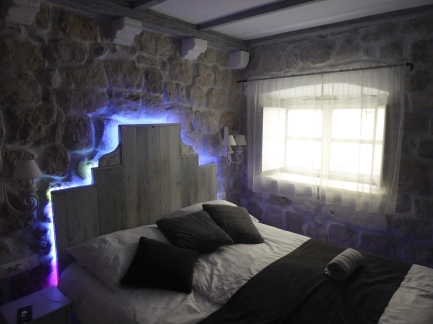 The polar cave: my room at Guesthouse Rustico